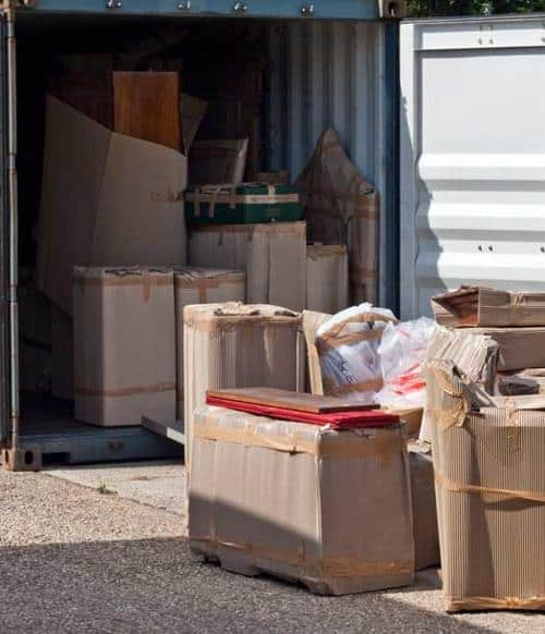 Packing container personal effects for Vanuatu